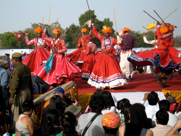 DANCERS AT THE ELEPHANT FESTIVAL