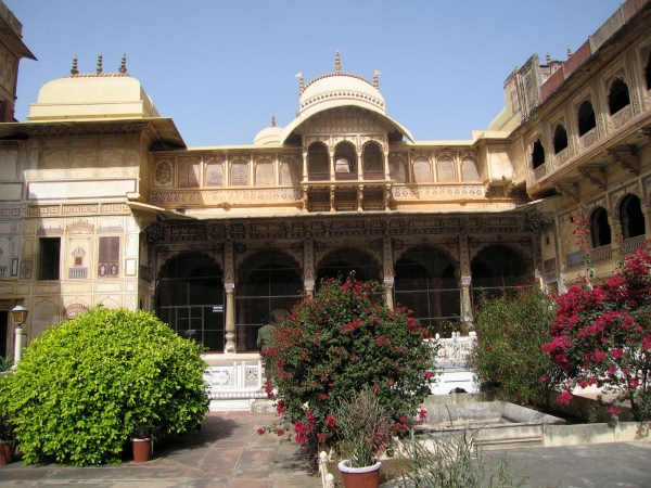 BEAUTIFUL COURTYARD AT THE AMBER FORT
