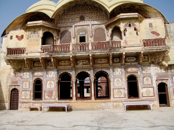 THESE WERE QUARTERS FOR THE MAHARAJAHS WIVES