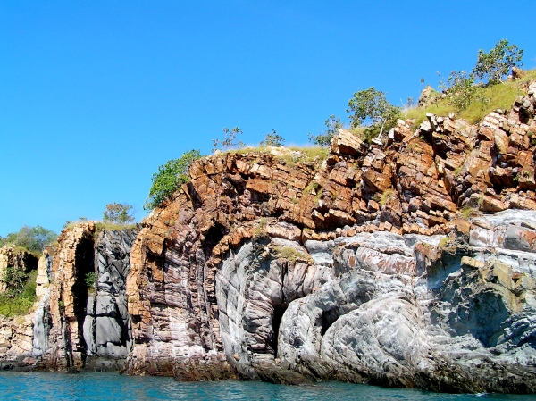 GEOLOGIC FOLDS AT TALBOT BAY