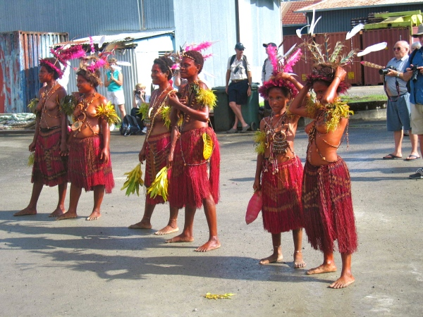 DANCERS OF ALL AGES PARTICIPATE IN THESE SING SING DANCES