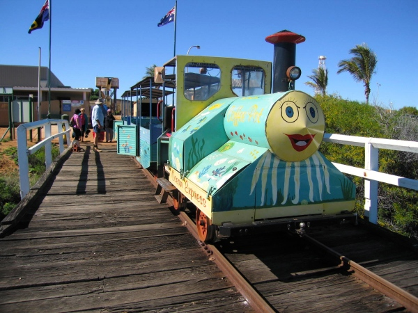 COFFEE POT TRAIN CARNARVON