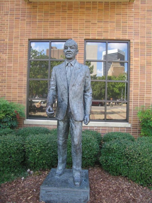 CIVIL RIGHTS INSTITUTE  -  STATUE OF REVERAND SHUTTLESWORTH