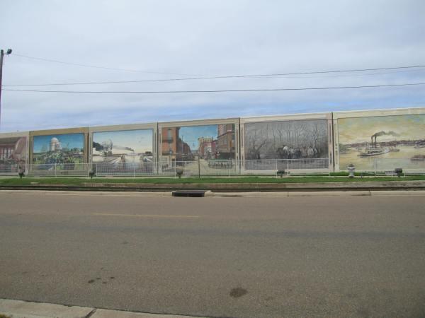 VICKSBURG, MISSISSIPPI LEVEEE STREET MURALS