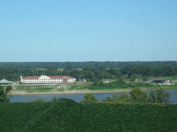 NATCHEZ,  MISSISSIPPI  -  A VIEW OF THE MISSISSIPPI RIVER