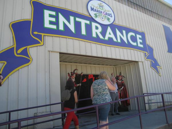 MARDI GRAS WORLD  -  ENTRANCE