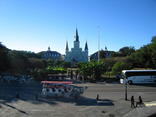 JACKSON SQUARE, NEW ORLEANS  -  ST. LOUIS CATHEDRAL