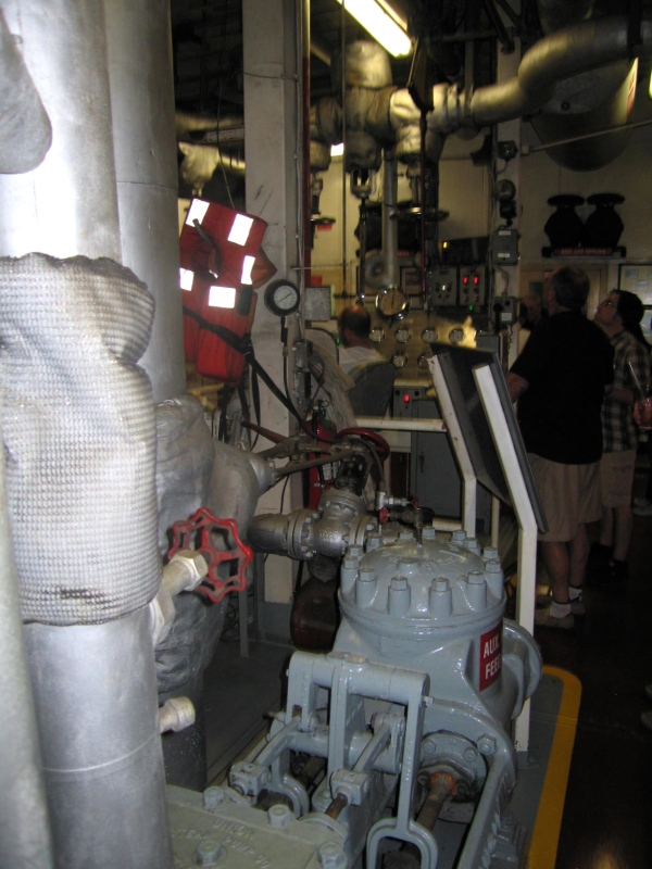 STEAMBOAT NATCHEZ  -  ENGINE ROOM