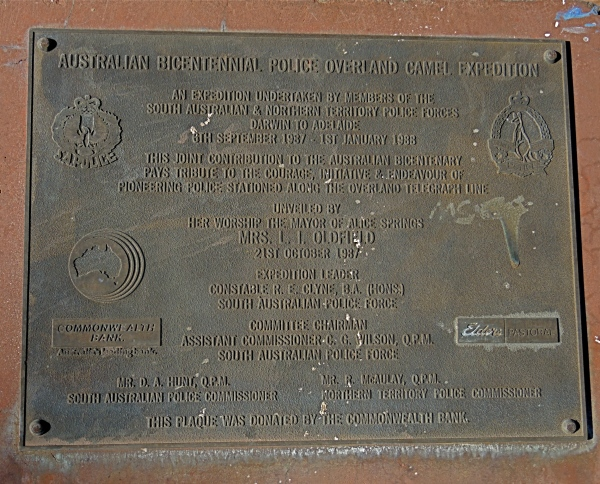 PLAQUE DEDICATED TO A BICENTENNIAL POLICE OVERLAND CAMEL EXPEDITION IN 1987