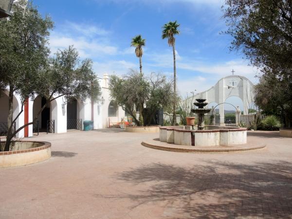 San Xavier Del Bec Mission  -  courtyard
