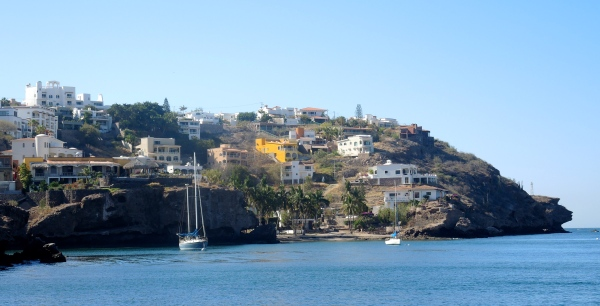 SAN CARLOS ALONG THE SHORE - HOUSES, MANSIONS AND HOTELS