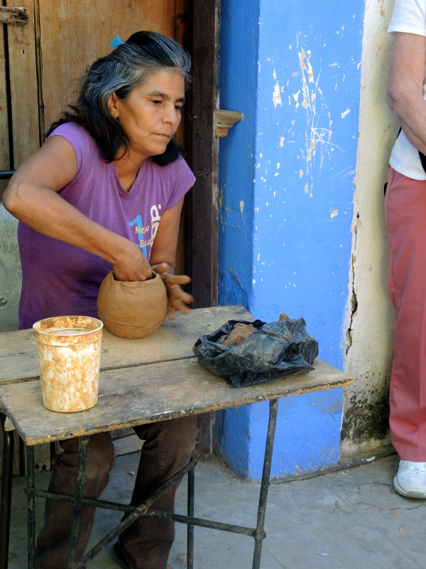 POTTERY MAKER IN ALAMOS
