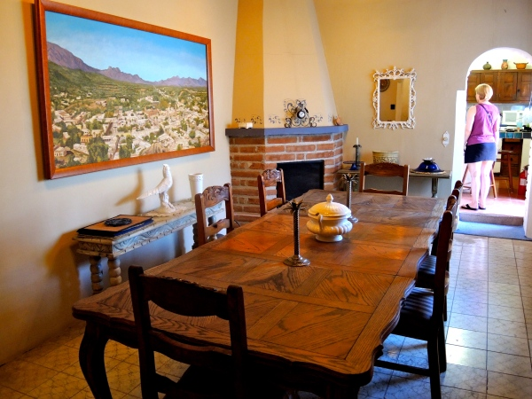 ALAMOS MANSION - DINING ROOM