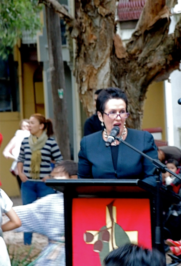 MUSTARD SEED UNITING CHURCH ULTIMO CLOVER MOORE  -  LORD MAYOR OF SYDNEY   DECEMBER 12  2014