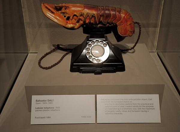 SAVADOR DALI   -   LOBSTER TELEPHONE  1936