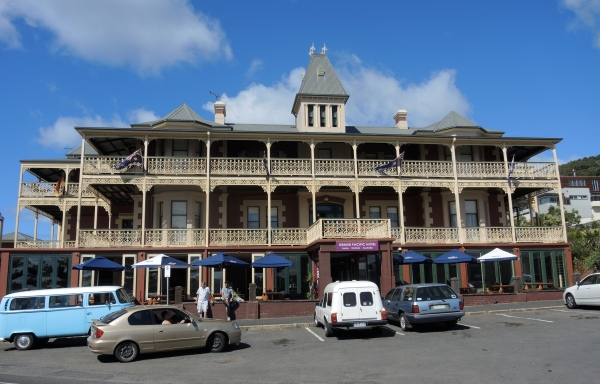 GRAND PACIFIC HOTEL  LORNE, VICTORIA, AUSTRALIA