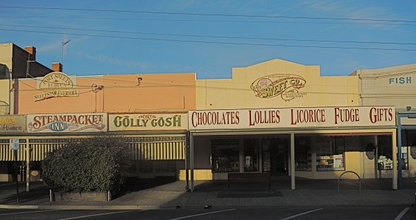 HIGH STREET, ECHUCA