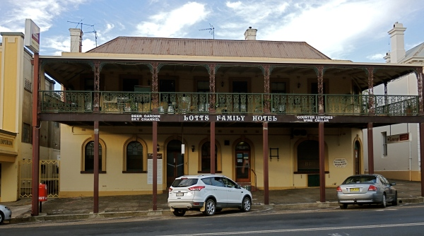 LOTT'S FAMILY HOTEL  -  'the hotel where good friends meet!'– was built in 1858 as Fry's Hotel and agent for Cobb & Co coach company. The verandah you see on this hotel is typical of that found on country hotels in New South Wales and further afield.