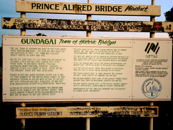 PRINCE ALFRED BRIDGE  SIGN