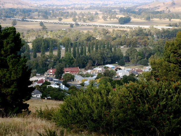 A VIEW OF GUNDAGAI FROM THE TOWN LOOKOUT  -  IN THE BACKGROUND YOU CAN SEE THE PRINCE ALFRED BRIDGE