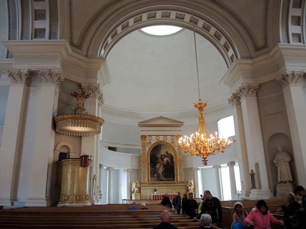 LUTHERAN CATHEDRAL INTERIOR
