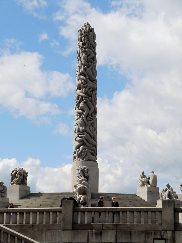 VIGELAND PARK OBELISK SCULPTURE