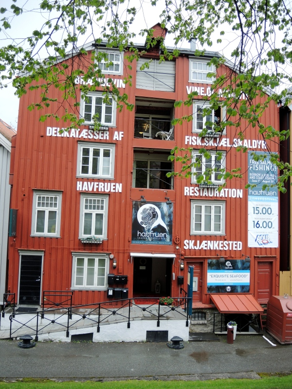 TRONDHEIM - OLD WOODEN HOUSE WITH A NUMBER OF RESTAURANTS